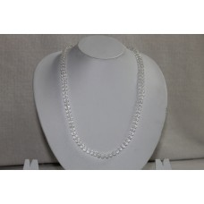 White tyrebeaded chain
